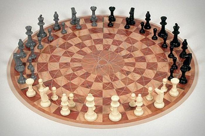 Beliebte-Brettspiele-Schach-für-drei-Menschen