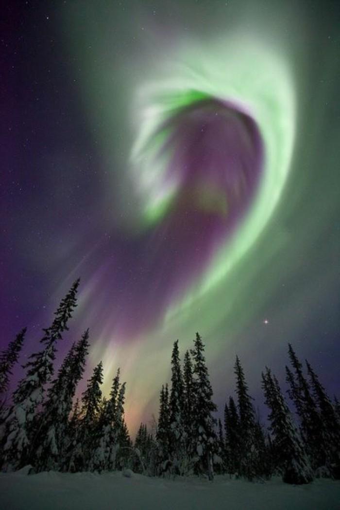 Bilder-von-Landschaften-mit-Polarlicht