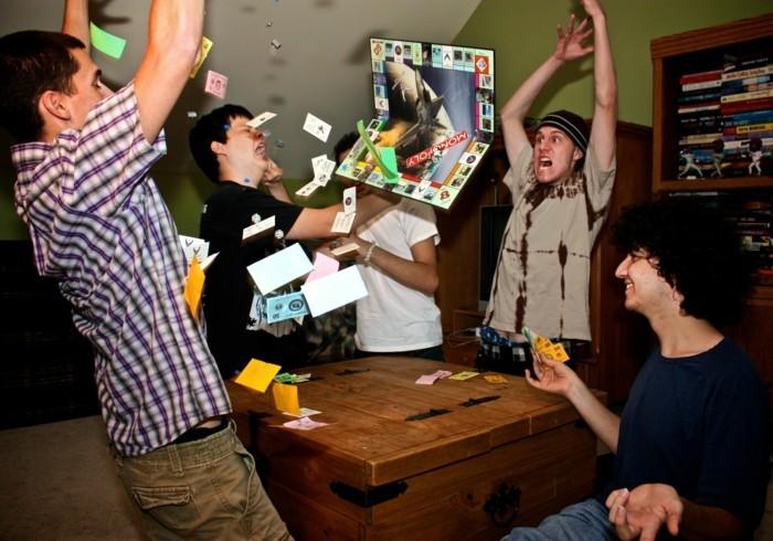 Brettspiel-nur-der-Sieger-freut-sich