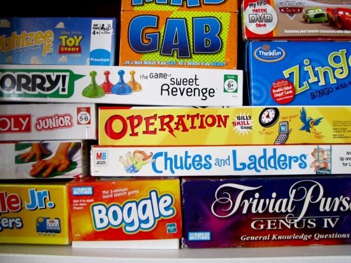 Brettspiele-die-wir-von-Kindheit-an-kennen