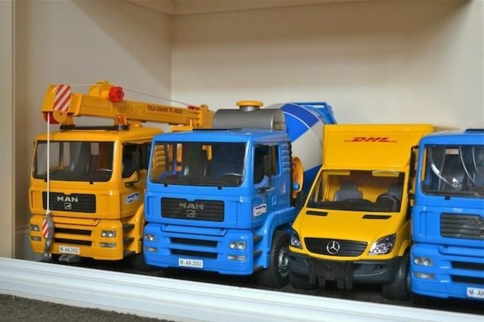 Bruder-spielwaren-gelb-und-blau