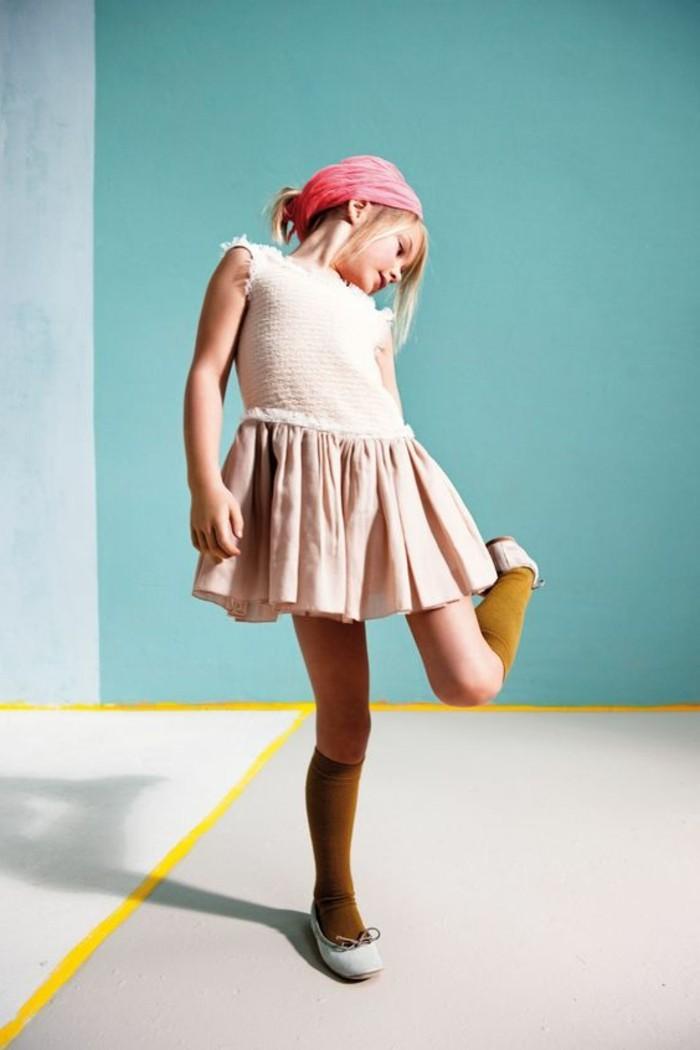 Coole-Kindermode-ein-rosa-Kleid-