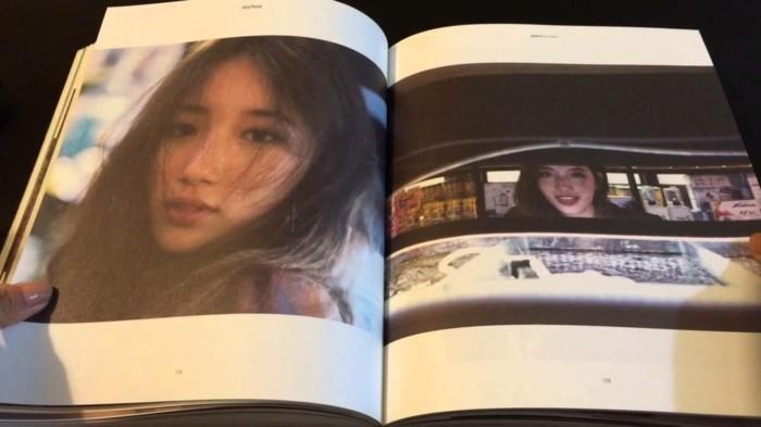 Fotobücher-mit-den-Fotos-eines-Models