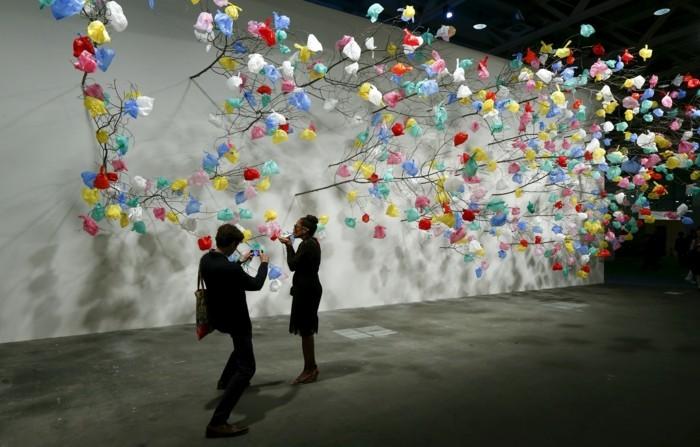 Galerie-für-Zeitgenössische-Kunst-mit-Plastiktüten