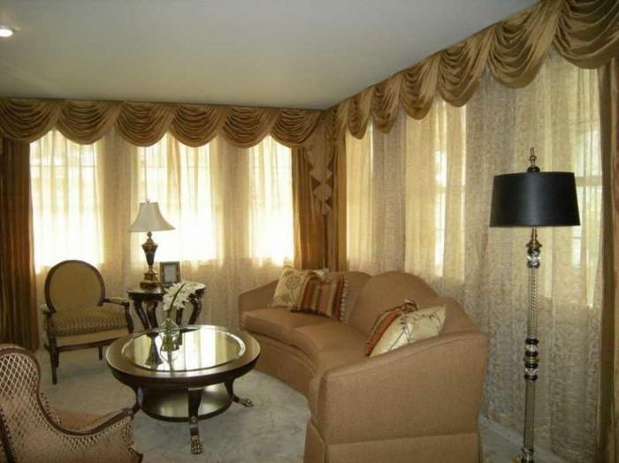 Gardinen-für-Wohnzimmer-in-brauner-Farbe