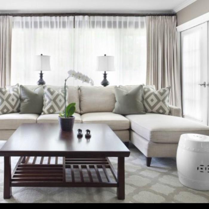 Gardinen-für-Wohnzimmer-mit-Vorhängen-kombiniert