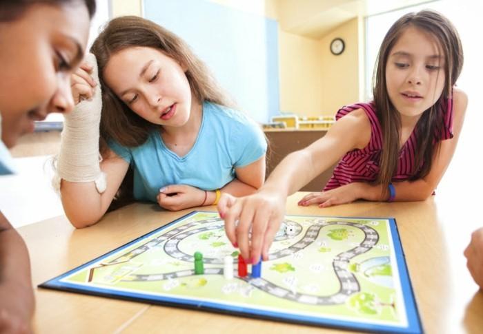 Gesellschaftsspiele-auch-für-Kinder-geeignet