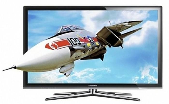 Großer-Fernseher-mit-einem-Flugzeug