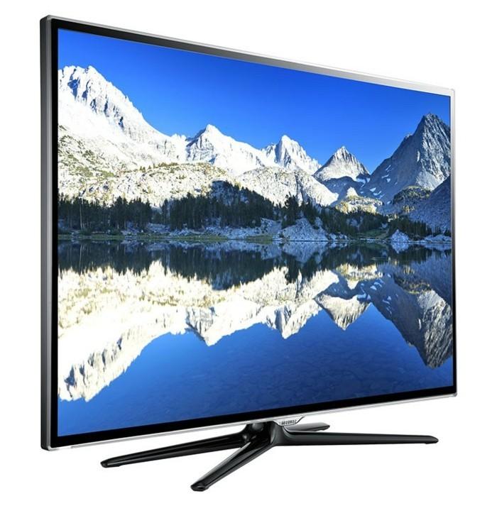 Großer-Fernseher-mit-schöner-Landschaft