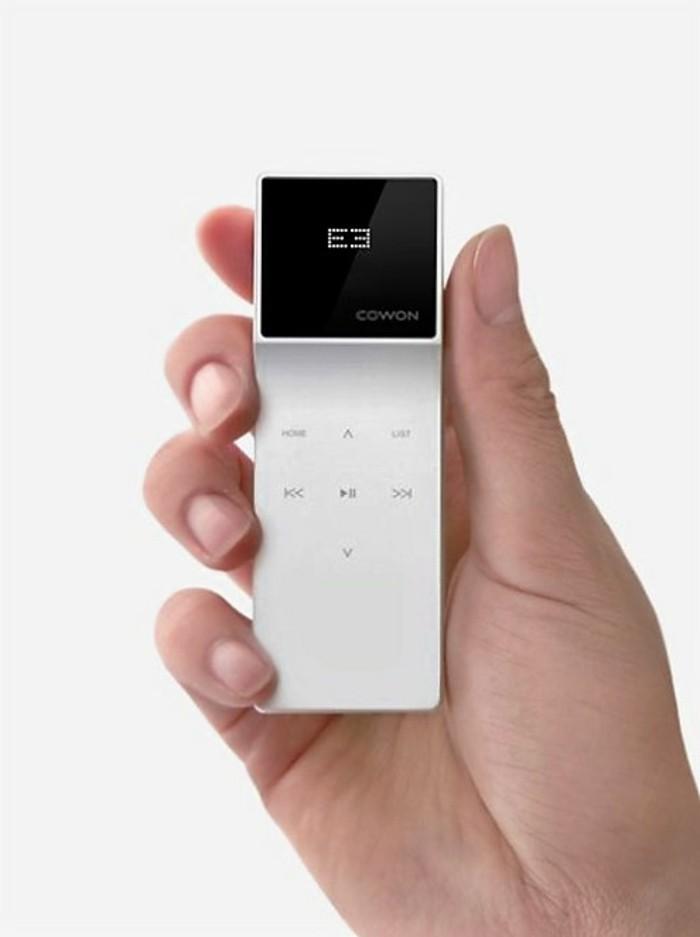 Guter-Mp3-player-weiße-Farbe-und-schwarzes-Display
