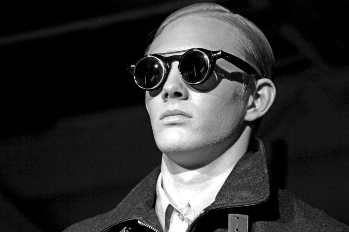 Herren- Sonnenbrillen-ein-Fernglas-ähnelt
