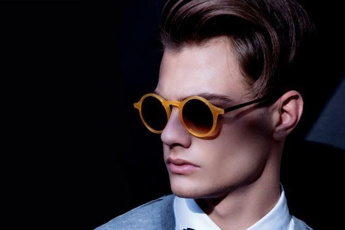 Herren- Sonnenbrillen-mit-orangem-Rahmen