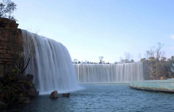 Hintergrundbilder-Wasserfall-zwei-künschliche-Wasserfälle