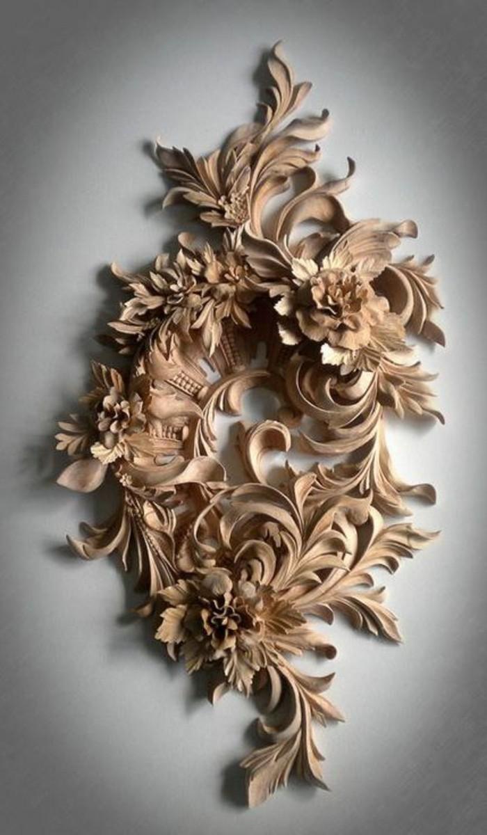 Holzschnitzerei-eine-wunderbare-Komposition-aus-Blättern