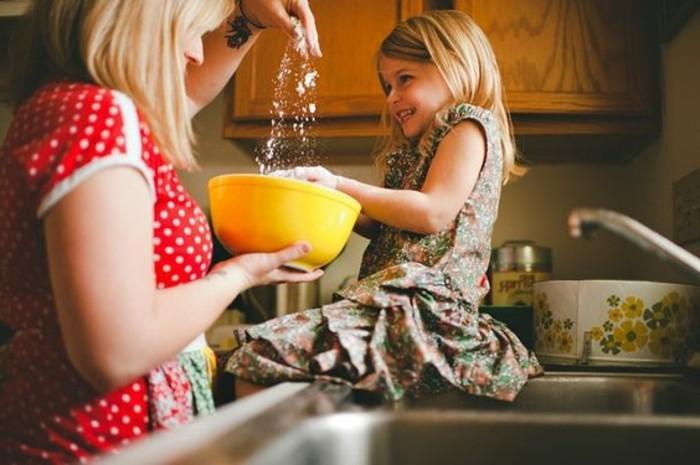 Kekse-backen-mit-Kindern-so-lustig