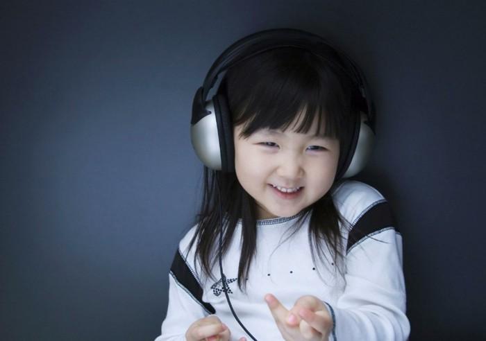 Kopfhörer-für-Kinder-in-Silber