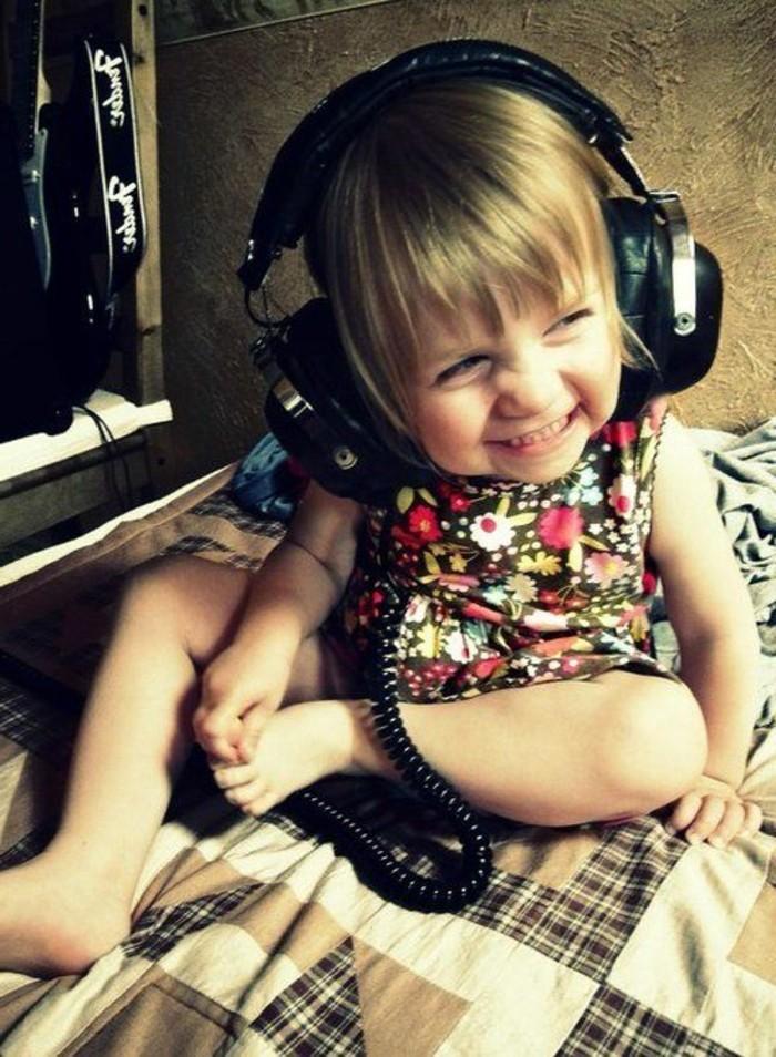 Kopfhörer-für-Kinder-in-schwarzer-Farbe