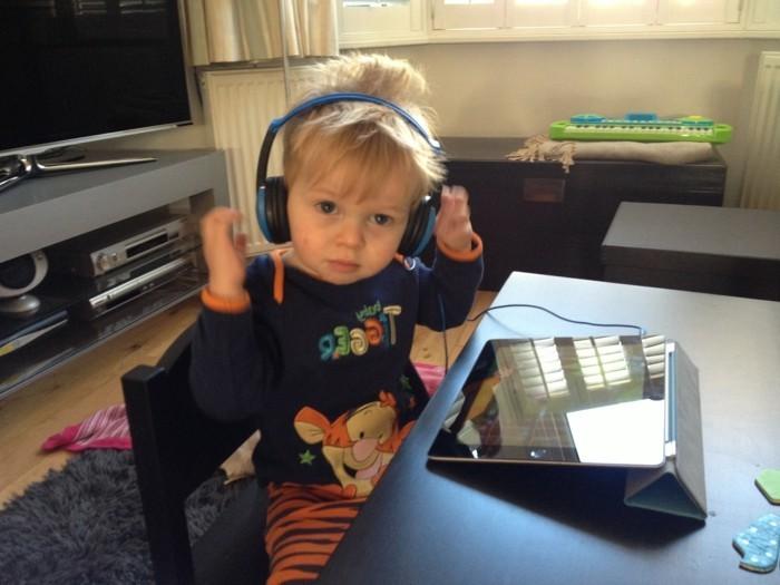 Kopfhörer-für-Kinder-schon-von-früh