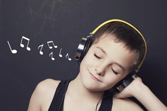 Kopfhörer-für-Kinderohren-zu-guter-Musik