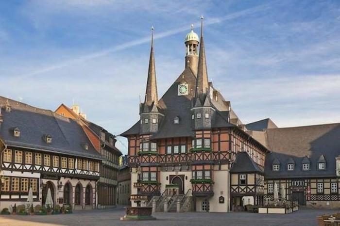 Kurzurlaub-im-Harz-die-Kirche-ansehen
