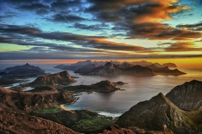 Landschaftsbilder-Insel-mit-vielen-Klippen