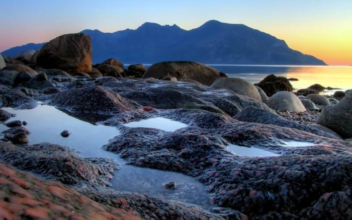 Landschaftsfotografie-mit-kleinen-Bächern-aus-Meerswasser