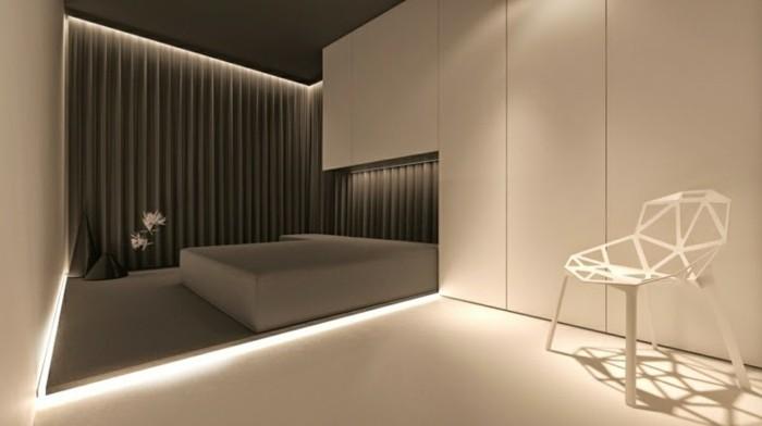 Led-Deckenleuchte-mit-engem-Licht