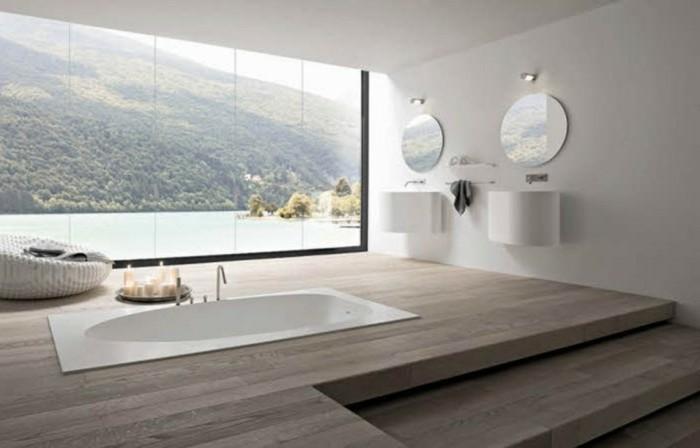 Luxus-Badewannen-in-der-Mitte