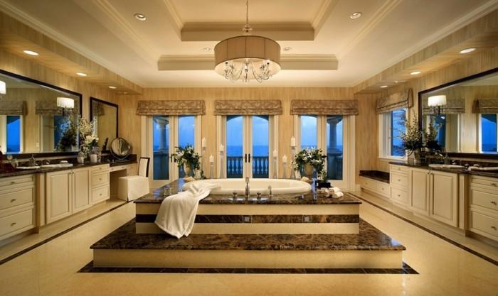 Luxus-Badezimmer-mit-schöner-Aussicht