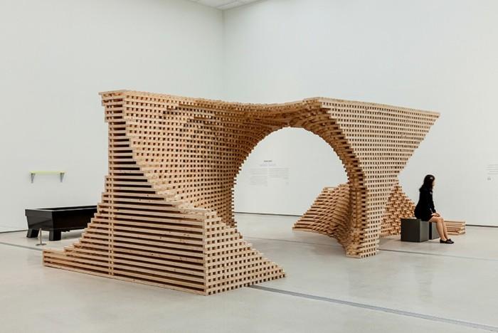 Museum-für-Zeitgenössische-Kunst-Skluptur-aus-Holz