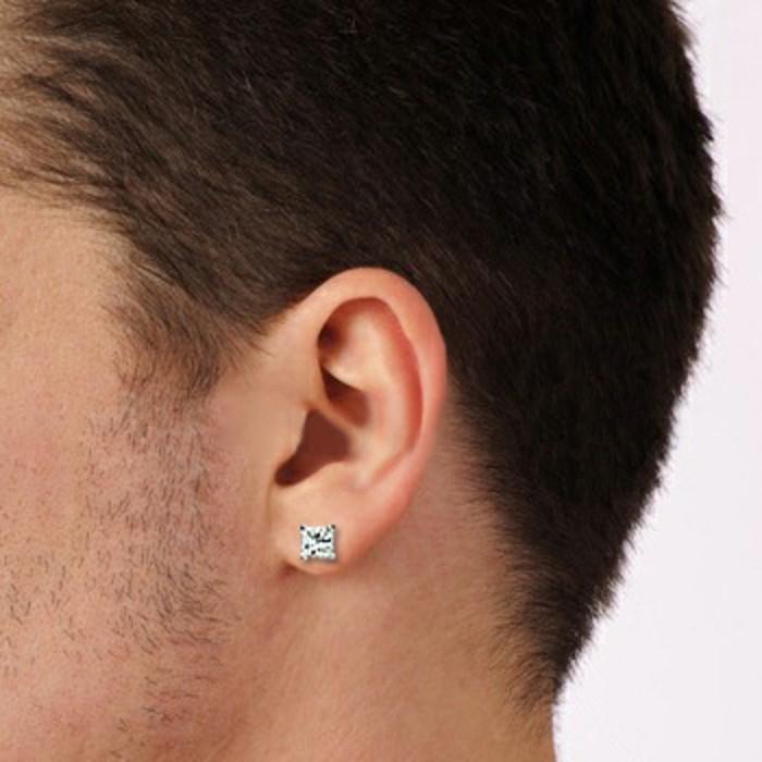 Ohrringe-für-Männer-frisuren-und-ohrstecker