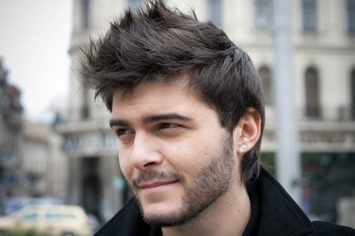Ohrringe-für-Männer-herren-frisuren