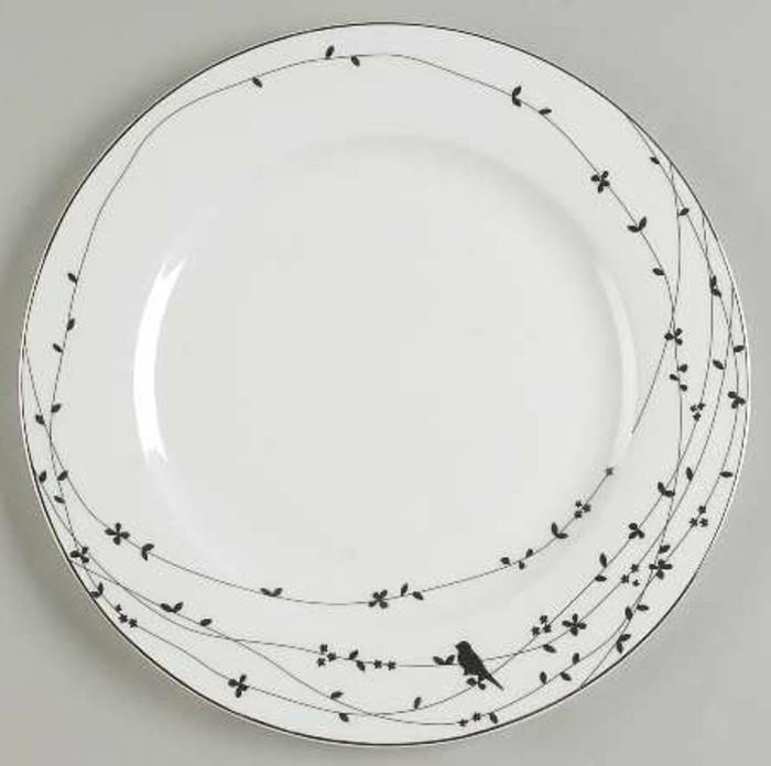 Porzellan-bemalen-mit-einem-Vögeln