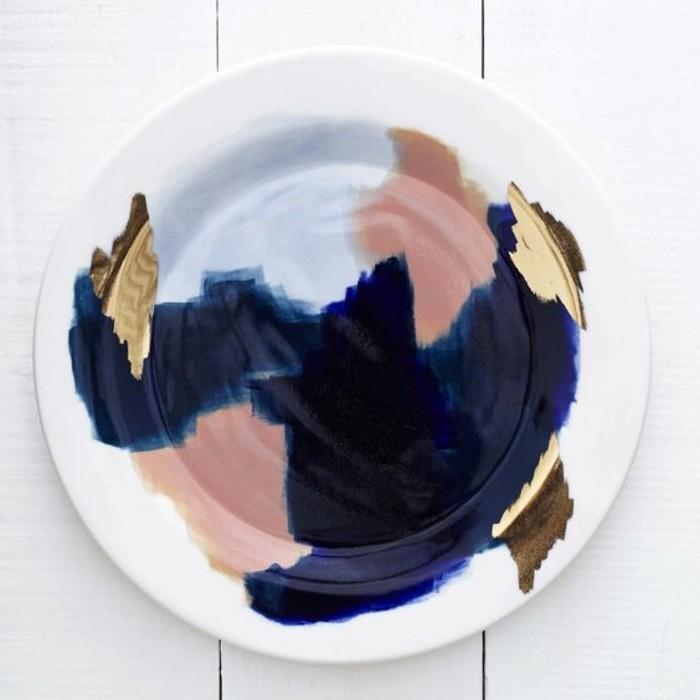 Porzellan-bemalen-sehr-bunte-Farben