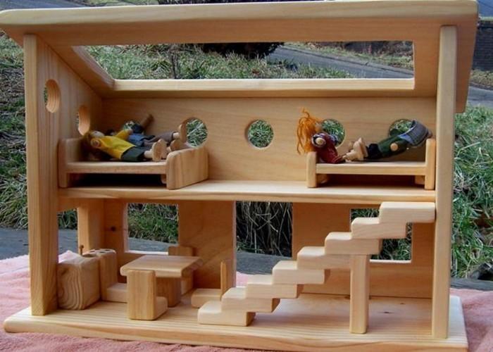 Puppenhäuser-aus-Holz-ganz-natürlich