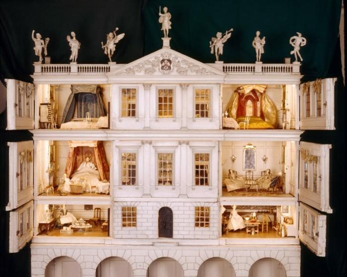 Puppenhaus-Einrichtung-für-eine-Luxus-Wohnung