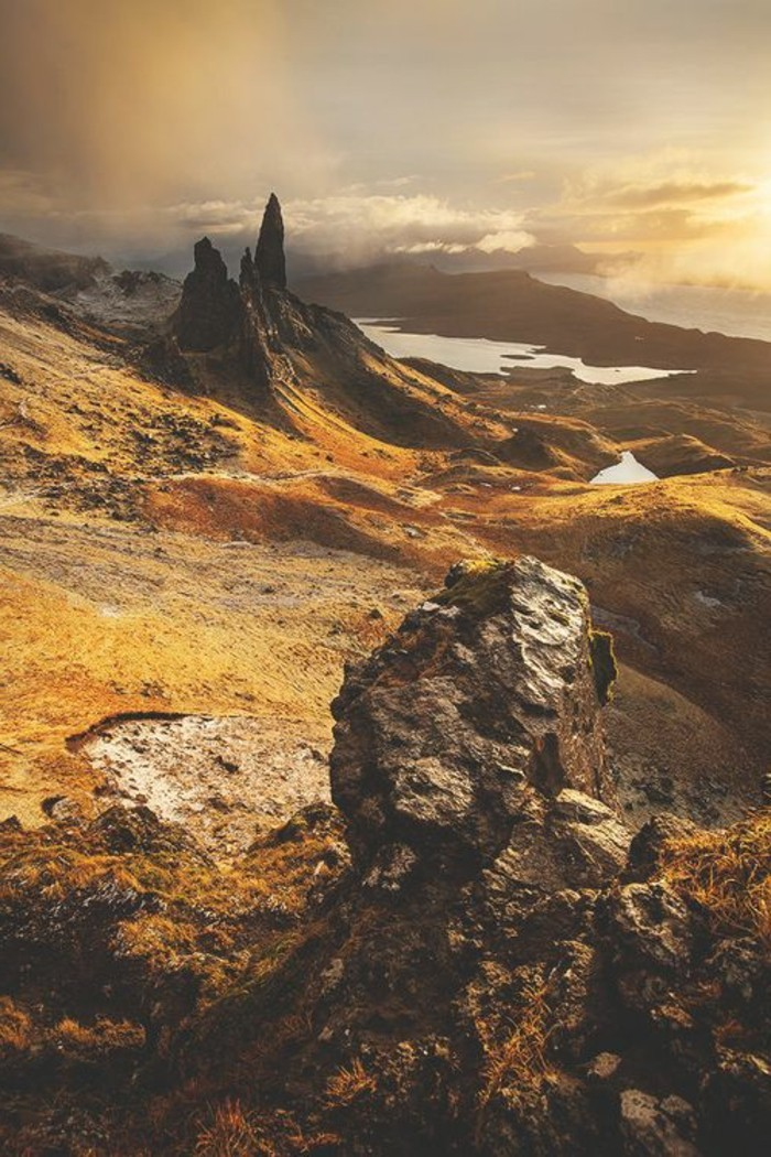 Schöne-Landschaftsbilder-auf-die-Berg-steigen