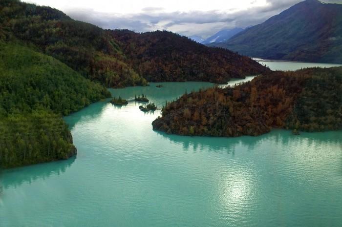 Schöne-Landschaftsbilder-ein-großer-See