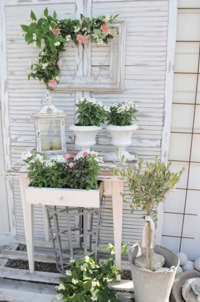 40 beispiele f r shabby chic garten mit vintage flair. Black Bedroom Furniture Sets. Home Design Ideas