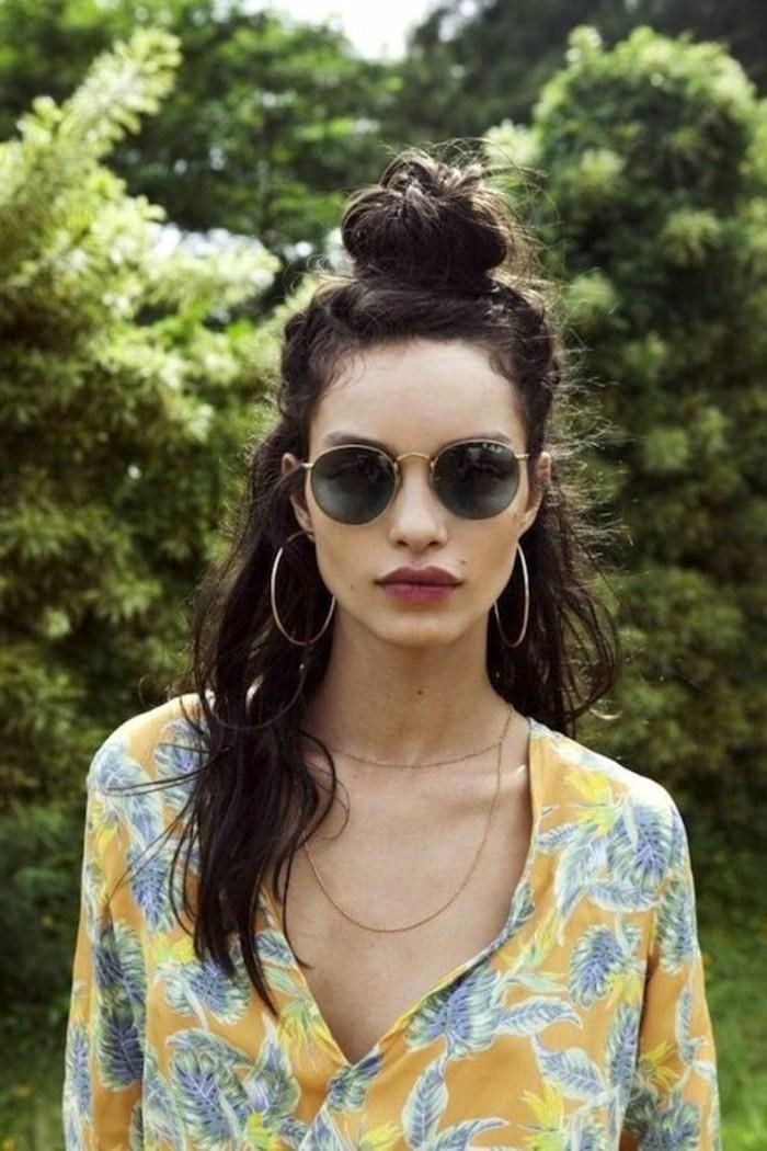 Sonnenbrille-rund-für-den-Sommer