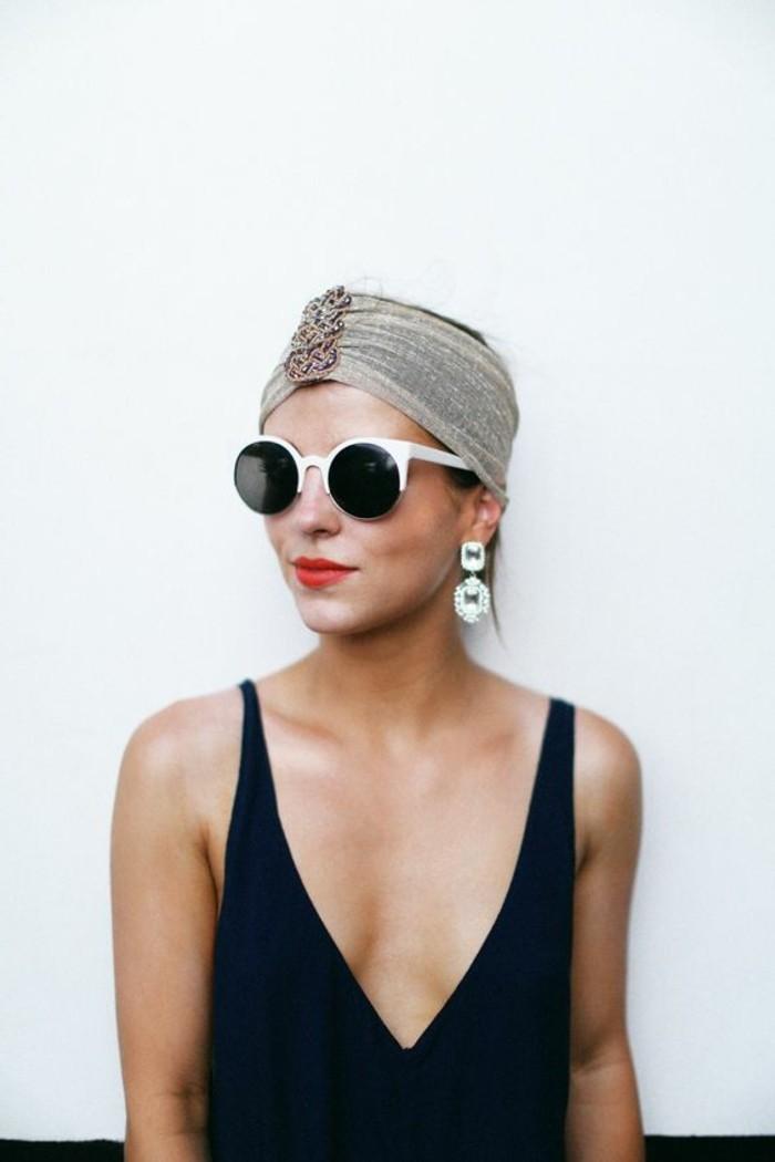 Sonnenbrille-runde-Gläser-mit-weißem-Rahmen