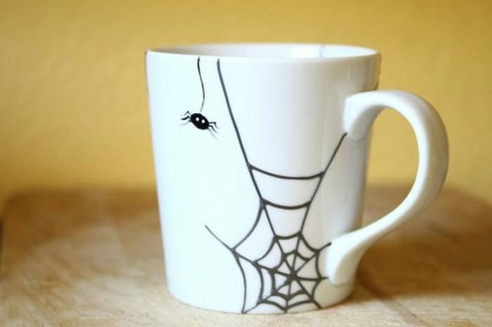 Tassen-bemalen-mit-einer-Spinne