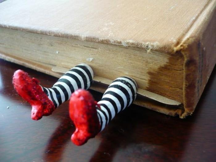 Ungewöhnliche-Geschenke-Lesezeichen-mit-kleinen-Füssen