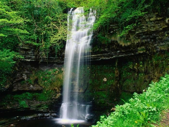 Wasserfall-Fotos-sehr-zart-aussehend