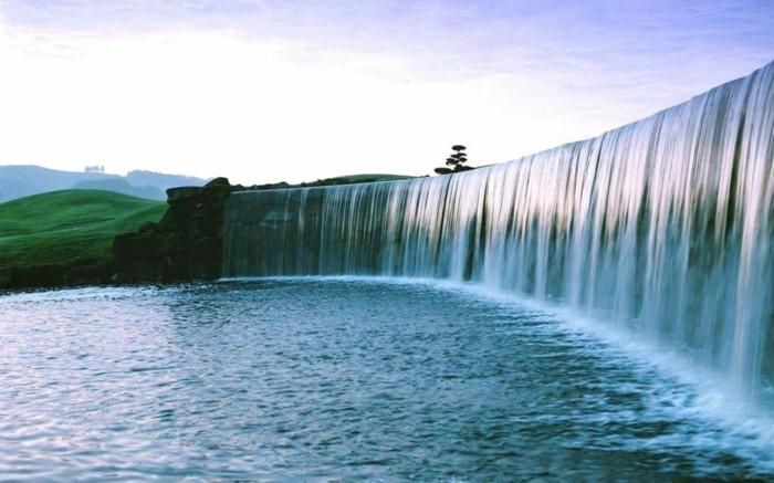 Wasserfall-Fotos-wie-eine-echte-Wand