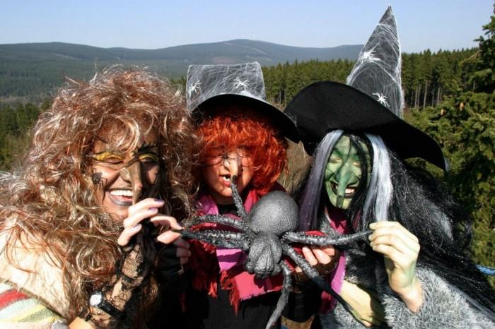 Wernigerode-Tourismus-mit-drei-Hexen