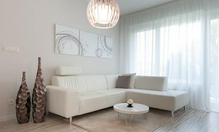Wohnzimmer-Gardinen-zu-weißen-Möbeln-passend