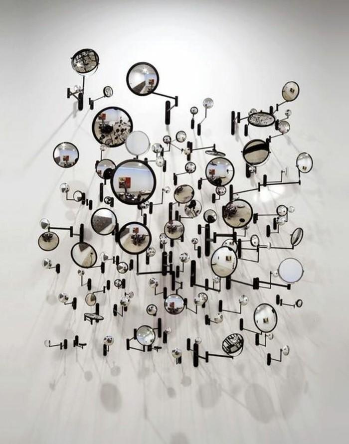 Zeitgenössische-Kunst-mit-runden-Spiegeln