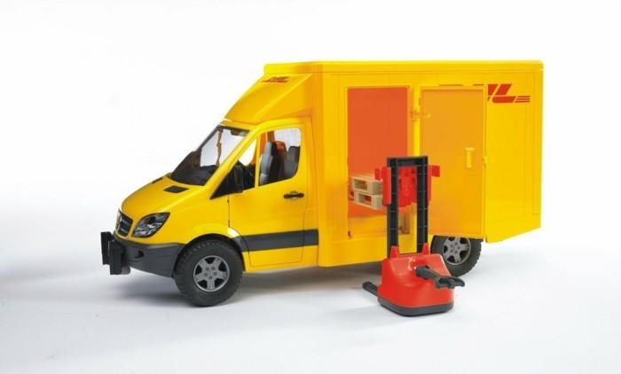 bruder-DHL-mit-hubwagen