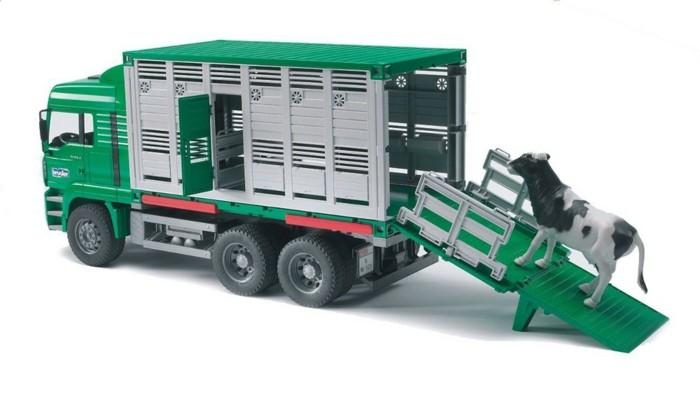 bruder-tiertransporter-grün